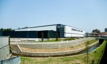 Foto dell'edificio dal fiume