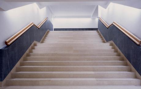 Le scale di accesso al piano primo