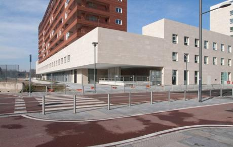 """L'edificio """"B"""" visto da via Cervignano"""